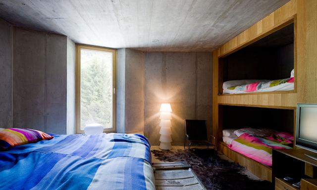 A m a n d a v e l i o t i s villa vals by search cma for Endicott college interior design
