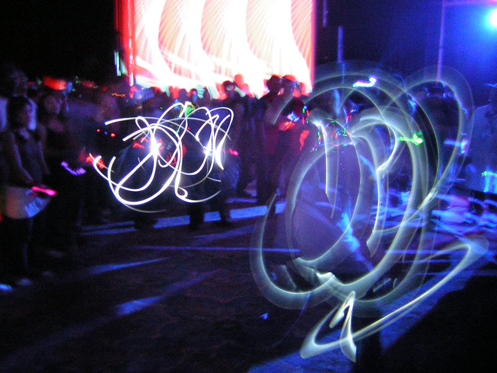 Hav my fashion ravers sub culture for Acid electronic music
