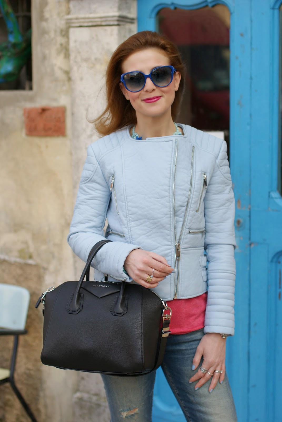Zara pastel blue faux leather biker jacket, giubbotto pelle celeste Zara, Givenchy Antigona bag, Marc by Marc Jacobs blue sunglasses, Fashion and Cookies, fashion blogger