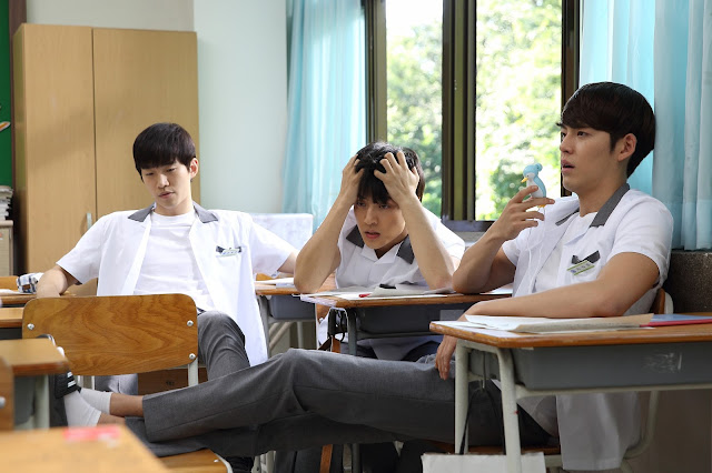 Korean Movie - Twenty (스물) Kim Woobin, Kang Ha-neul, Lee Jun-ho