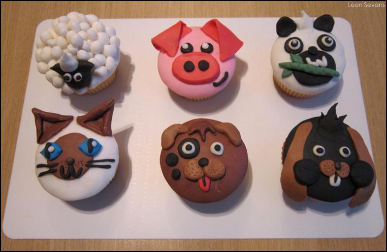 http://4.bp.blogspot.com/-0AHVwV38P-c/VRKiT6D7IZI/AAAAAAAAADc/tDk3yErx2pE/s1600/Animal%2BCupcakes.png