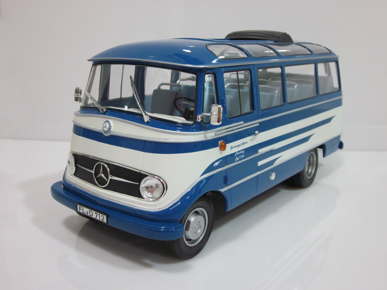 "Mercedes-Benz O319 ""Sturmvogel Travel"" '60 Norev"