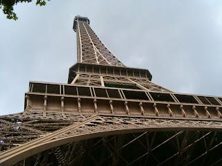 """eiffel3 - El """"secreto"""" que oculta la Torre Eiffel en su punto más alto"""