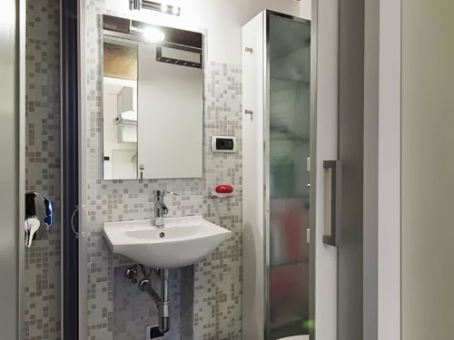 13-Bathroom-Smallest-House-in-Italy-75-sq-Feet-7-m2-Italian-Architect-Marco-Pierazzi-www-designstack-co