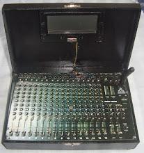 Mesa de som em miniatura