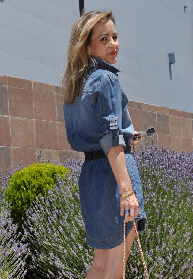 Como combinar vestido vaquero