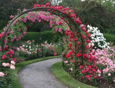 All fun here most beautiful gardens in the world for Garden archway designs