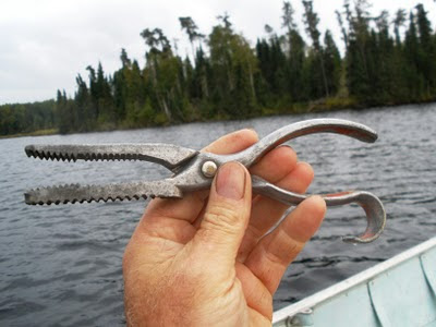 Detty's Fish Gripper