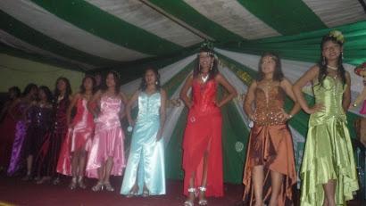 Candidatas en vestido de gala