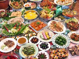Foto daftar makanan dan minuman saat berpuasa ramadhan