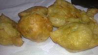buñuelos de ajo y perejil