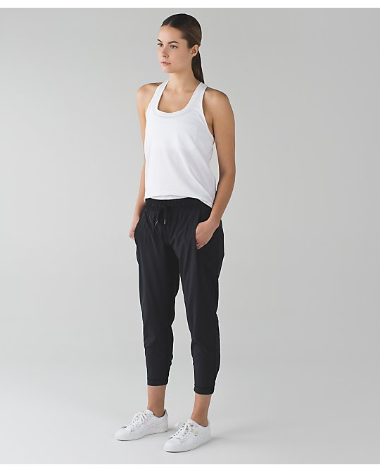 lululemon stretch-it-out-crop