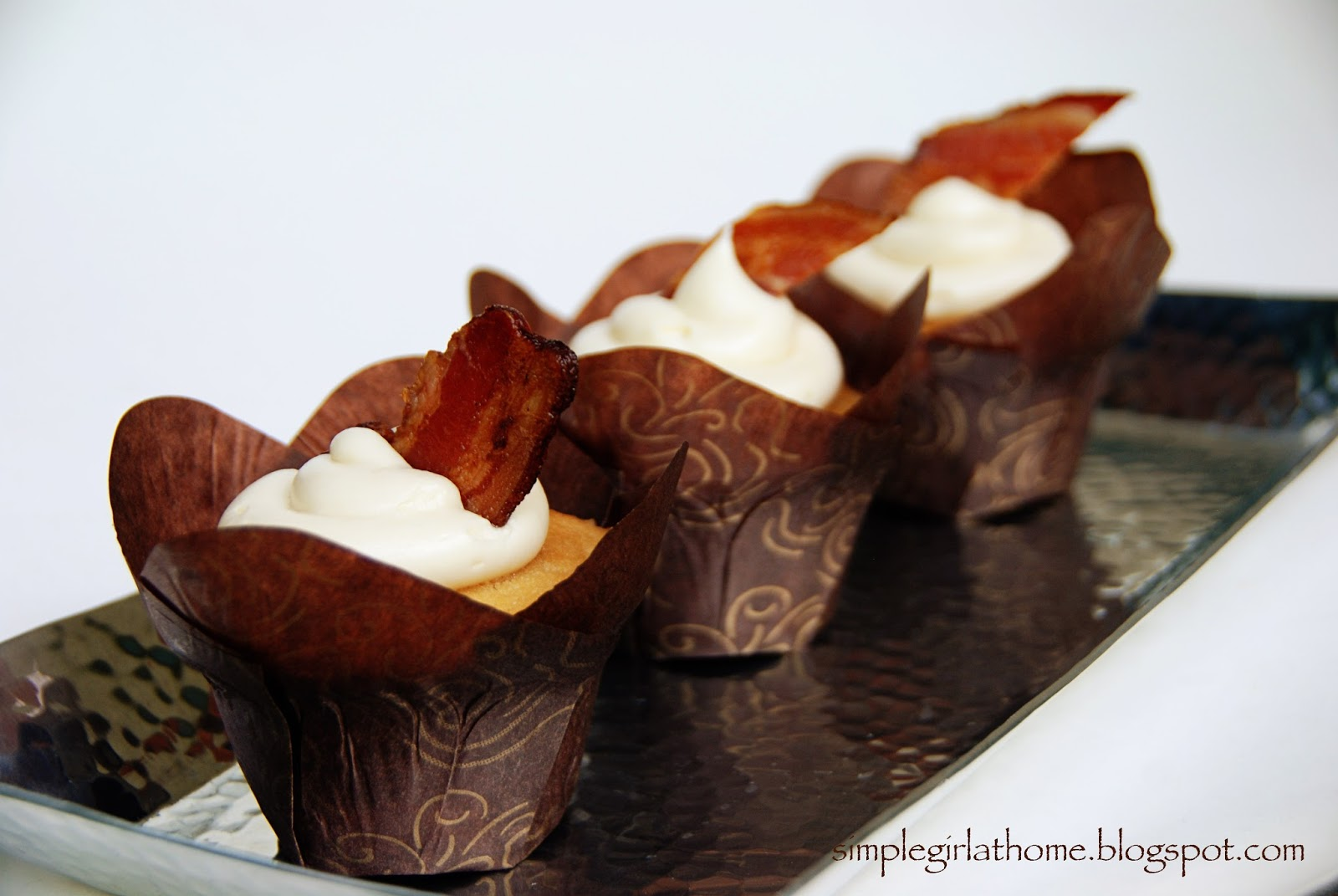 Simple Girl: Maple Bacon Cupcakes with Maple Cream Cheese Frosting