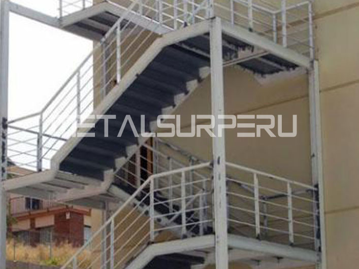 Escaleras drywall arequipa for Gradas metalicas para casas