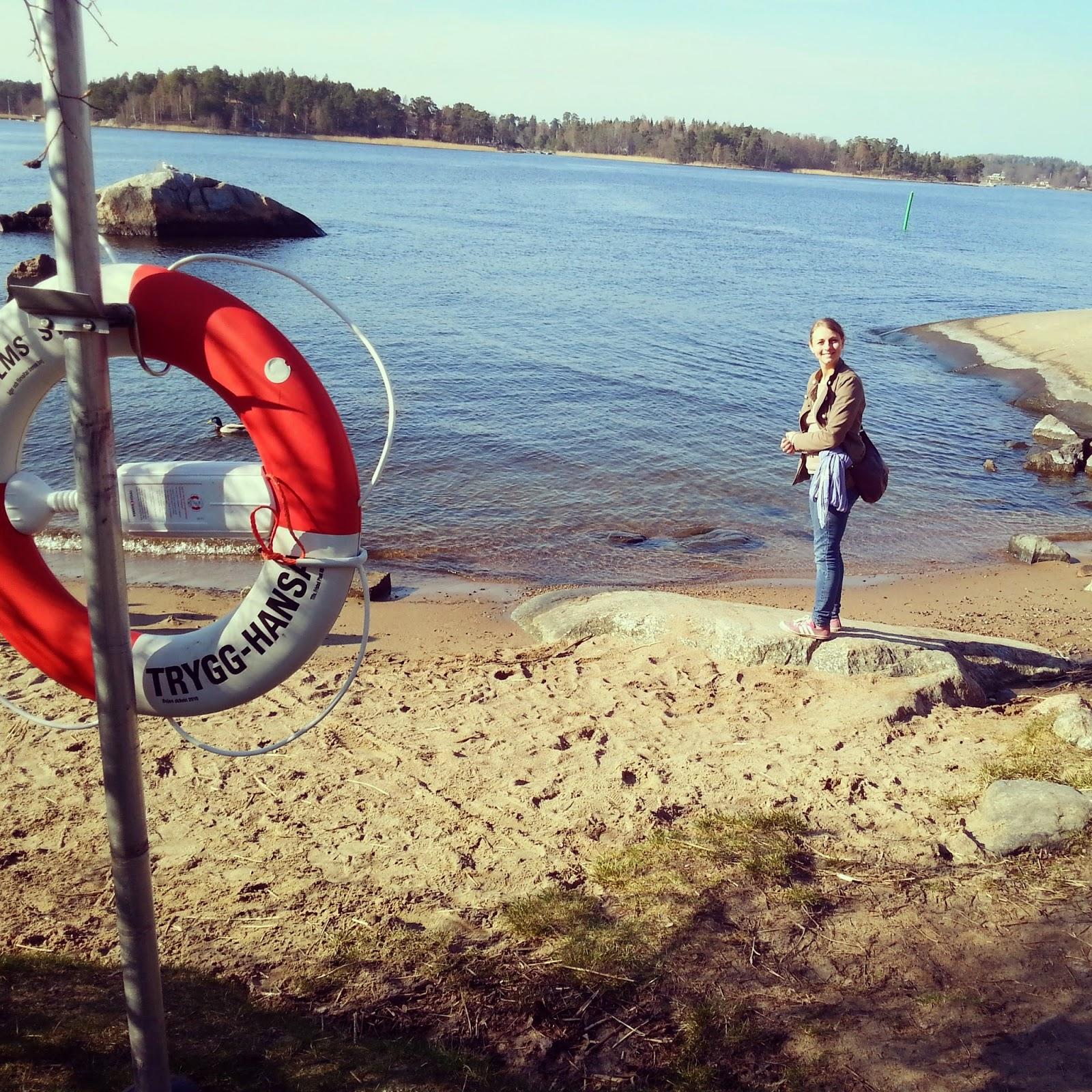 drobná pláž na ostrove Vaxholm