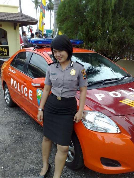 Berikut juga ane kasih hasil jepretan foto-foto polisi wanita ...