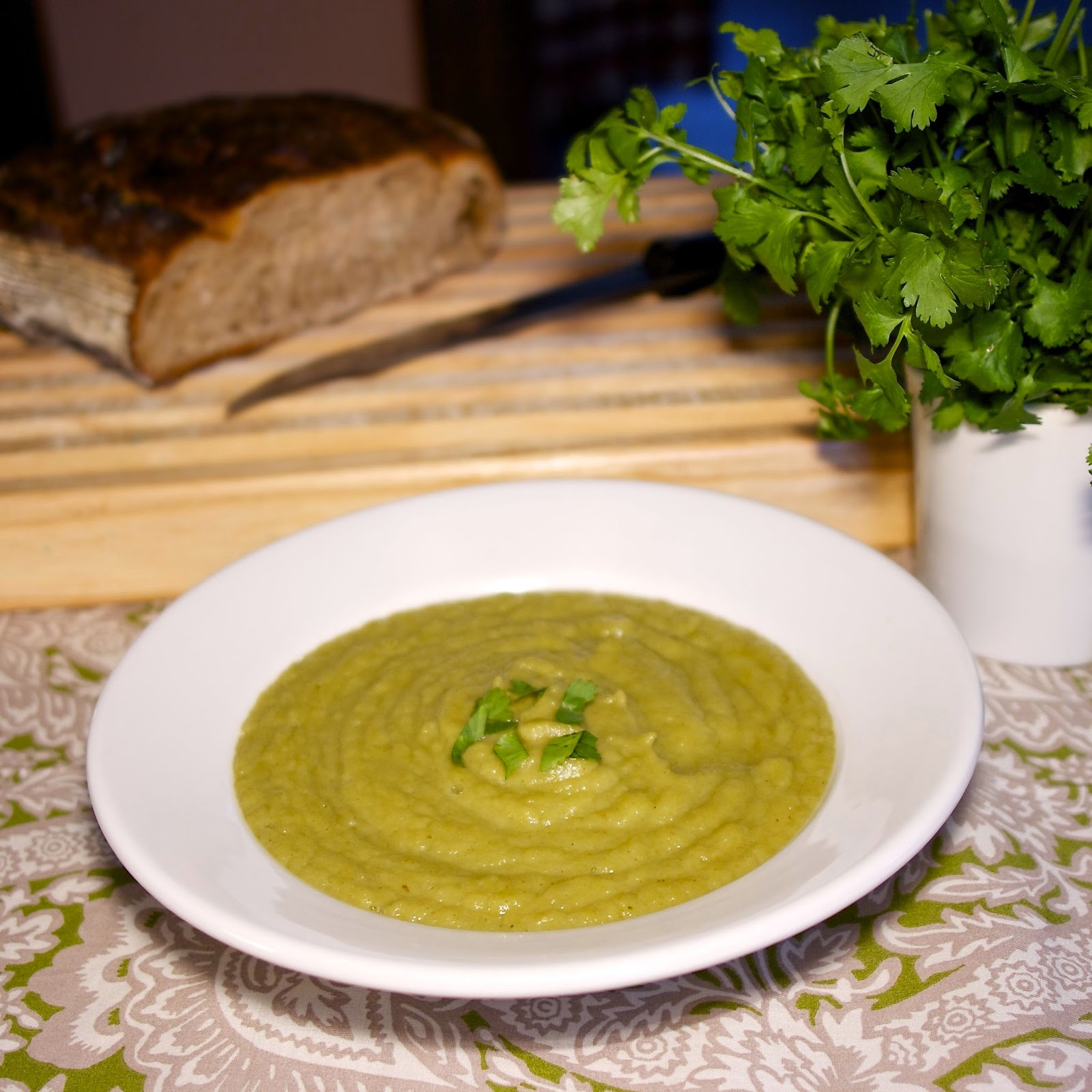 Green Irish Soup: Leeks & Parsnips: simplelivingeating.com