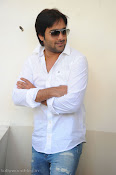 Telugu Hero Tarun latest Photo Shoot photos Stills Gallery-thumbnail-4