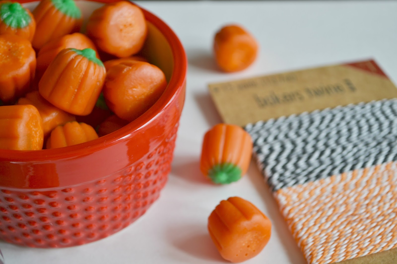 halloween candy, halloween gift, baker's twine, black and orange, candy, pumpkin, pumpkins, orange,
