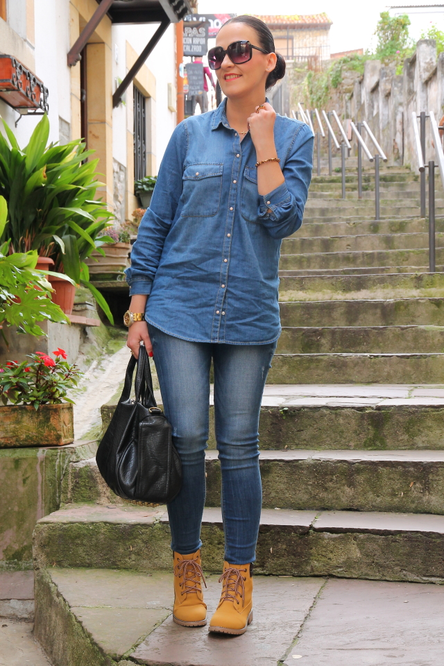 TOTAL DENIM + BOTAS ESTILO PANAMA JACK - Black Dress Inspiration