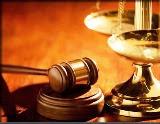 foto giudice e tribunale