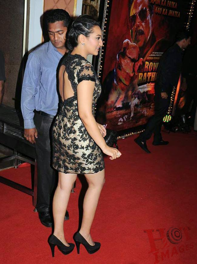 sonakshi sinha hot back pics in black dress