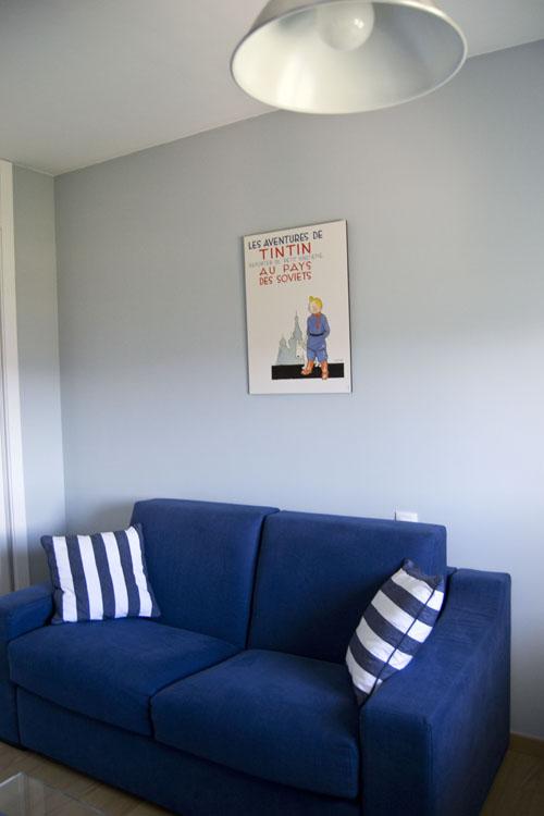 sofa blanco y azul tintin lamina