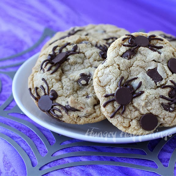 Spider Infested Chocolate Chip Cookies - Creepy Halloween ...