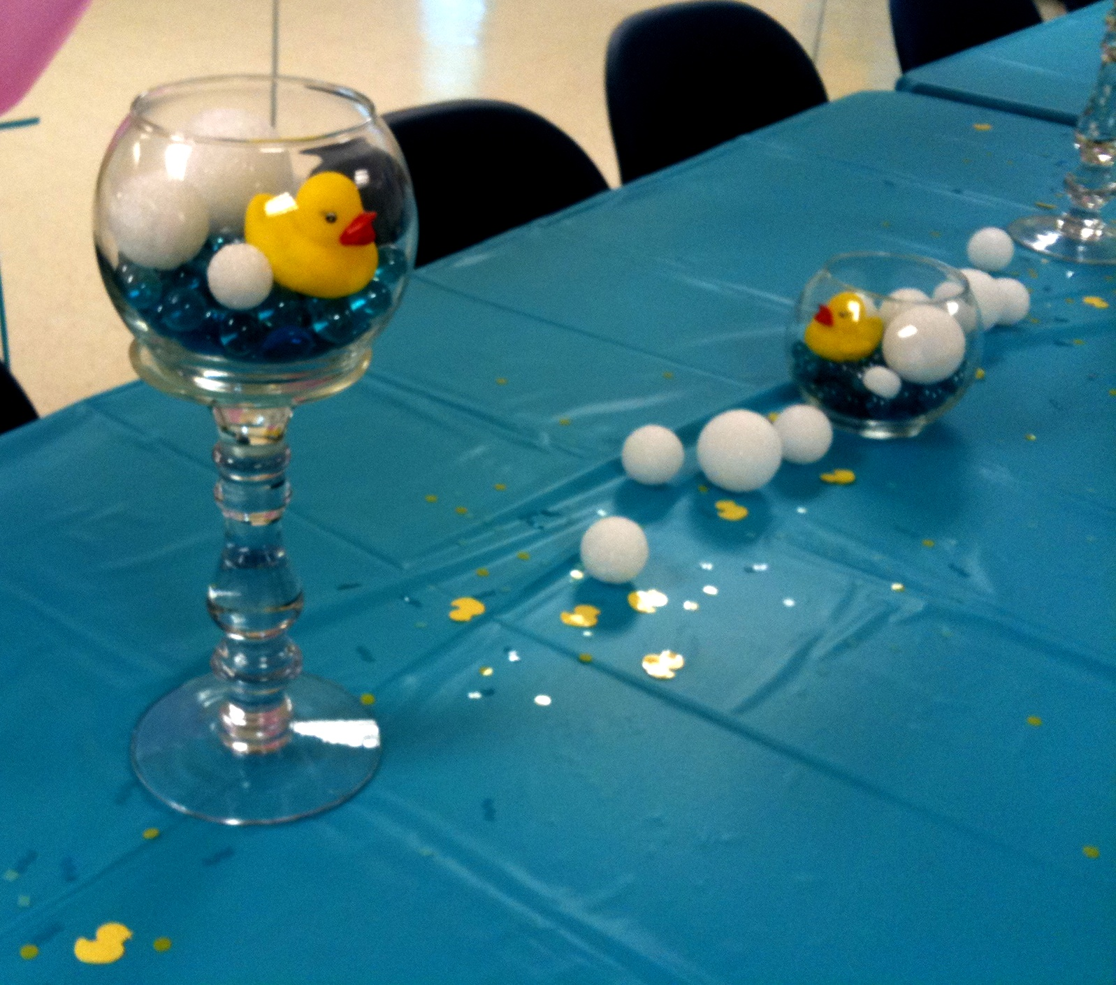 Rubber Duck Baby Shower Centerpieces http://everythingaesthetic.blogspot.com/2011/06/rubber-ducky-baby-shower.html