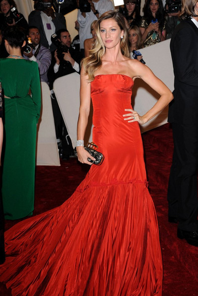 "Gisele Bundchen at the ""Alexander McQueen: Savage Beauty"" Costume Institute Gala held at The Metropolitan Museum of Art on May 2, 2011 in New York City."