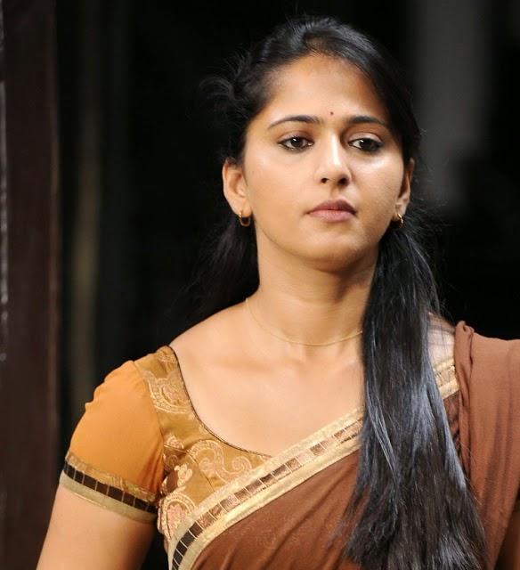 Actress Anushka Half Saree Hot Photo Gallery