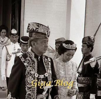 About : Almarhum Sultan Iskandar of Johor