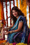 Shruti Haasan Stills from Balupu Movie-thumbnail-20