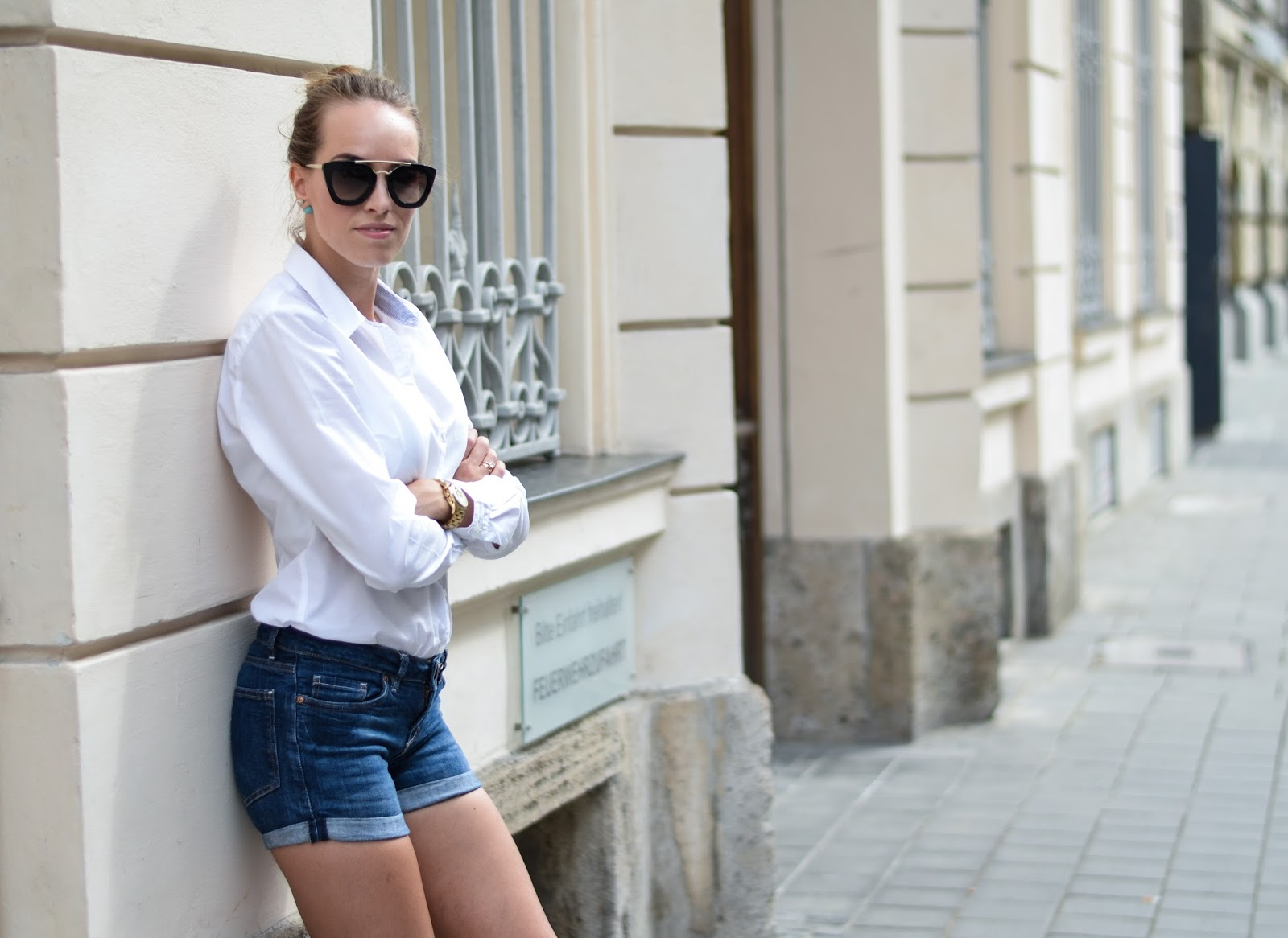 white asos shirt lindex jeans shorts summer style outfit street style munich