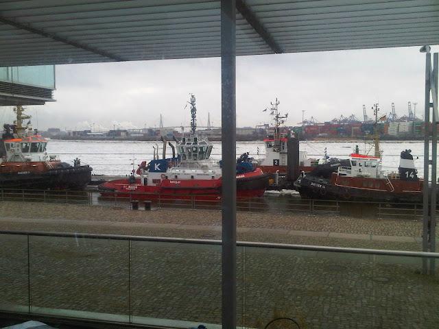 Neumühlen, Hamburger Hafen im Winter