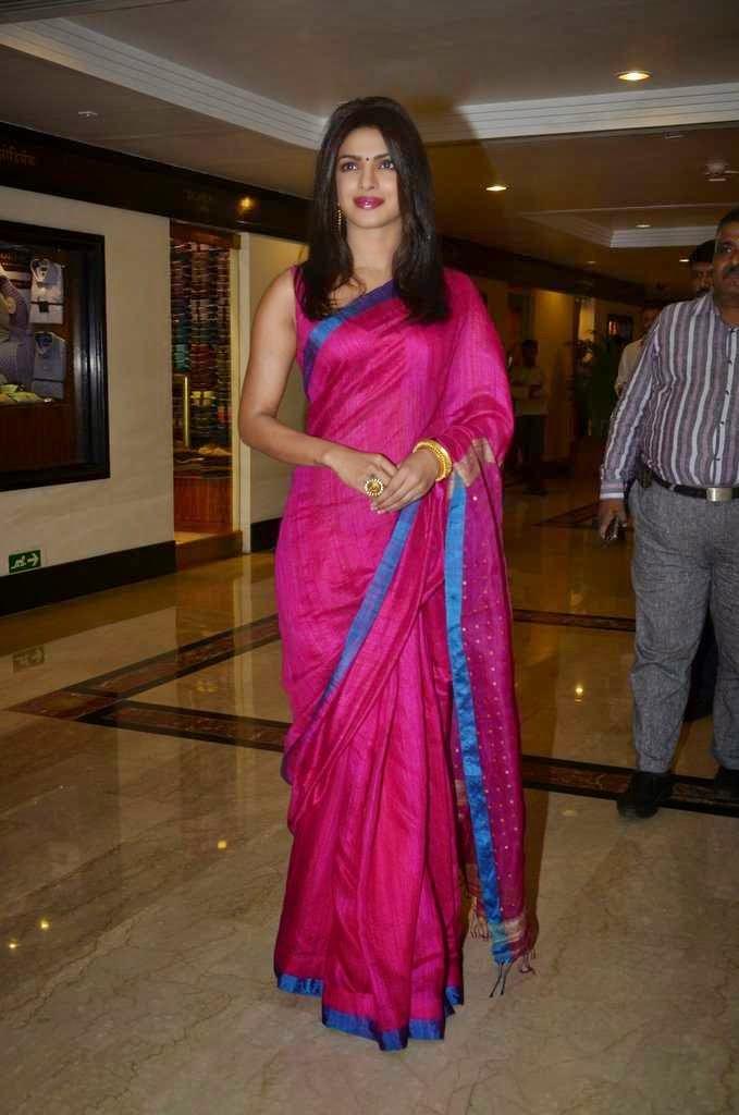 saree priyanka chopra
