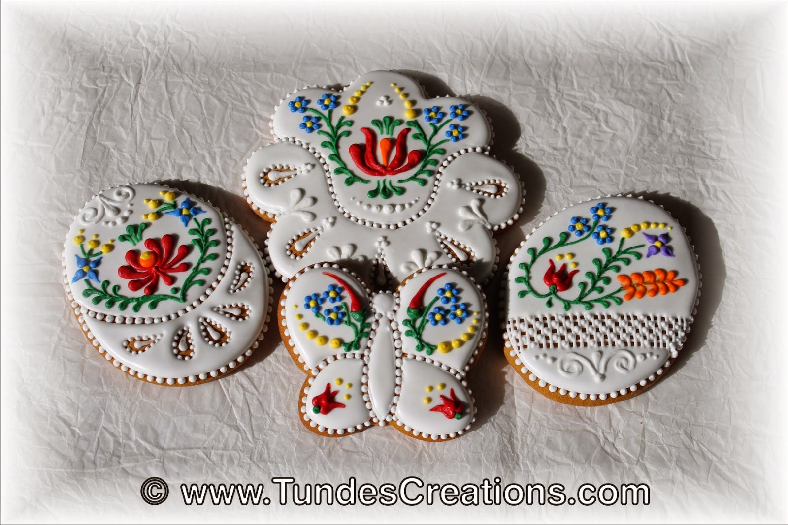 Gingerbread cookies with Hungarian folk art pattern