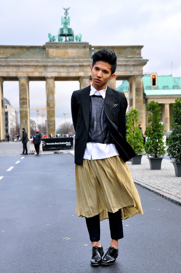 men s style at berlin fashion week street style by stela. Black Bedroom Furniture Sets. Home Design Ideas