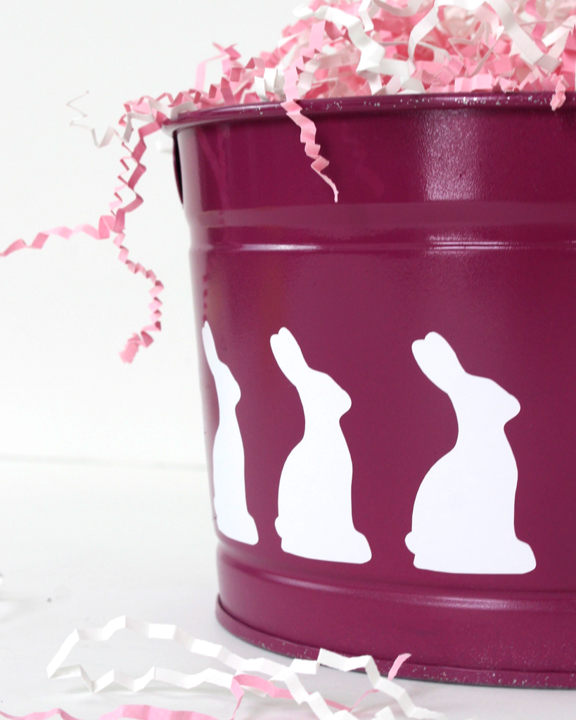 What a fun, easy, and inexpensive Easter basket made with the cricut!