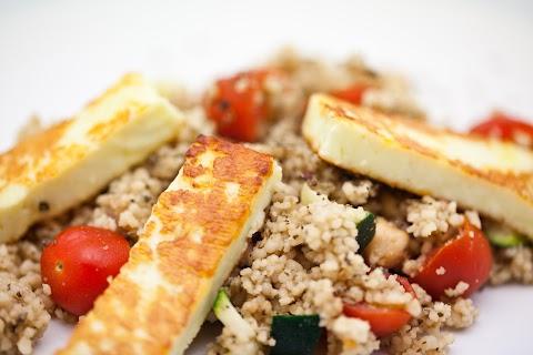 Couscous-Halloumi Salad