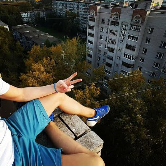 17 year old Russian boy who falls to his death taking the extreme selfie!  8