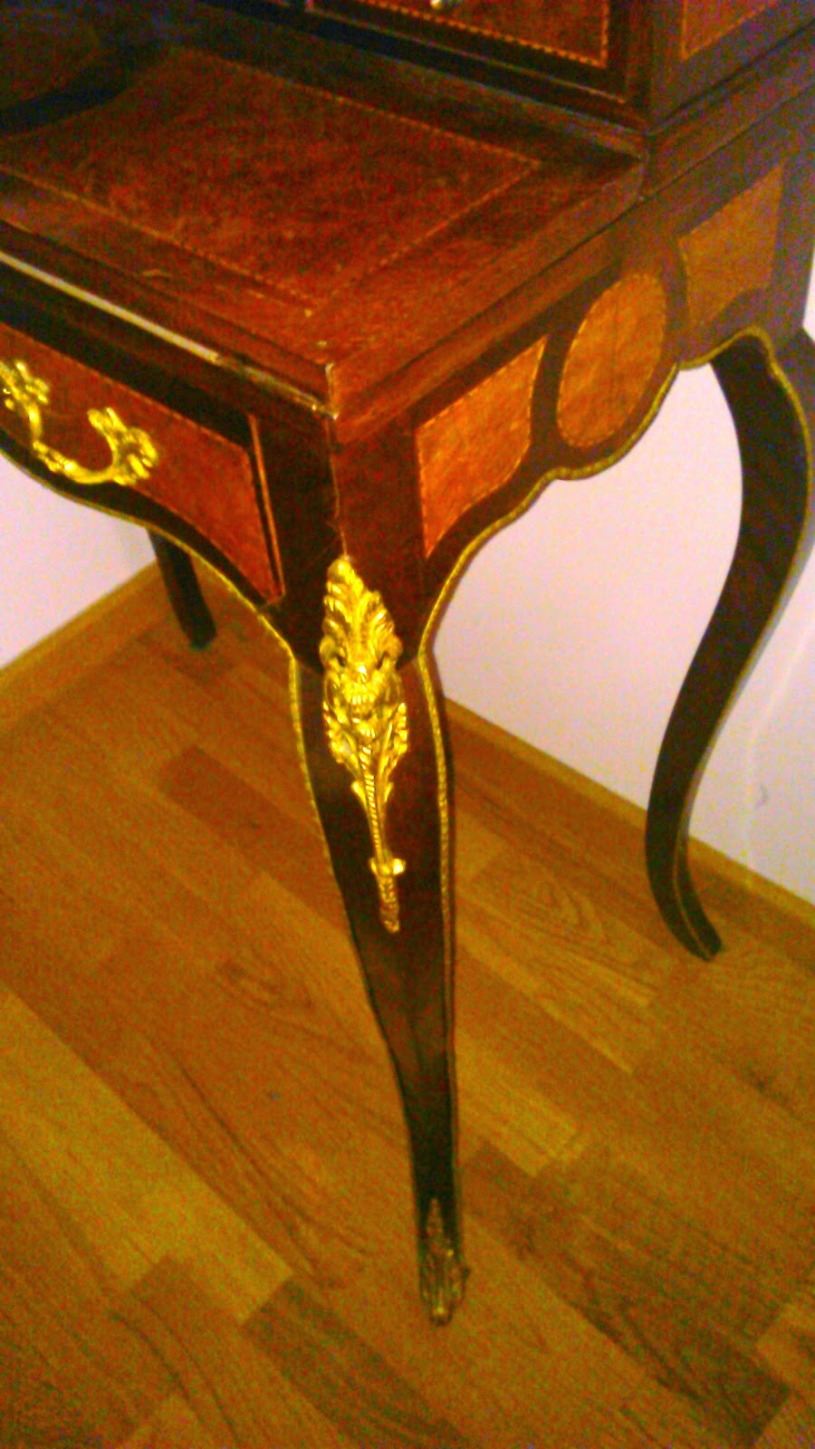 Martha antiques escritorio luis xv for Muebles de marqueteria