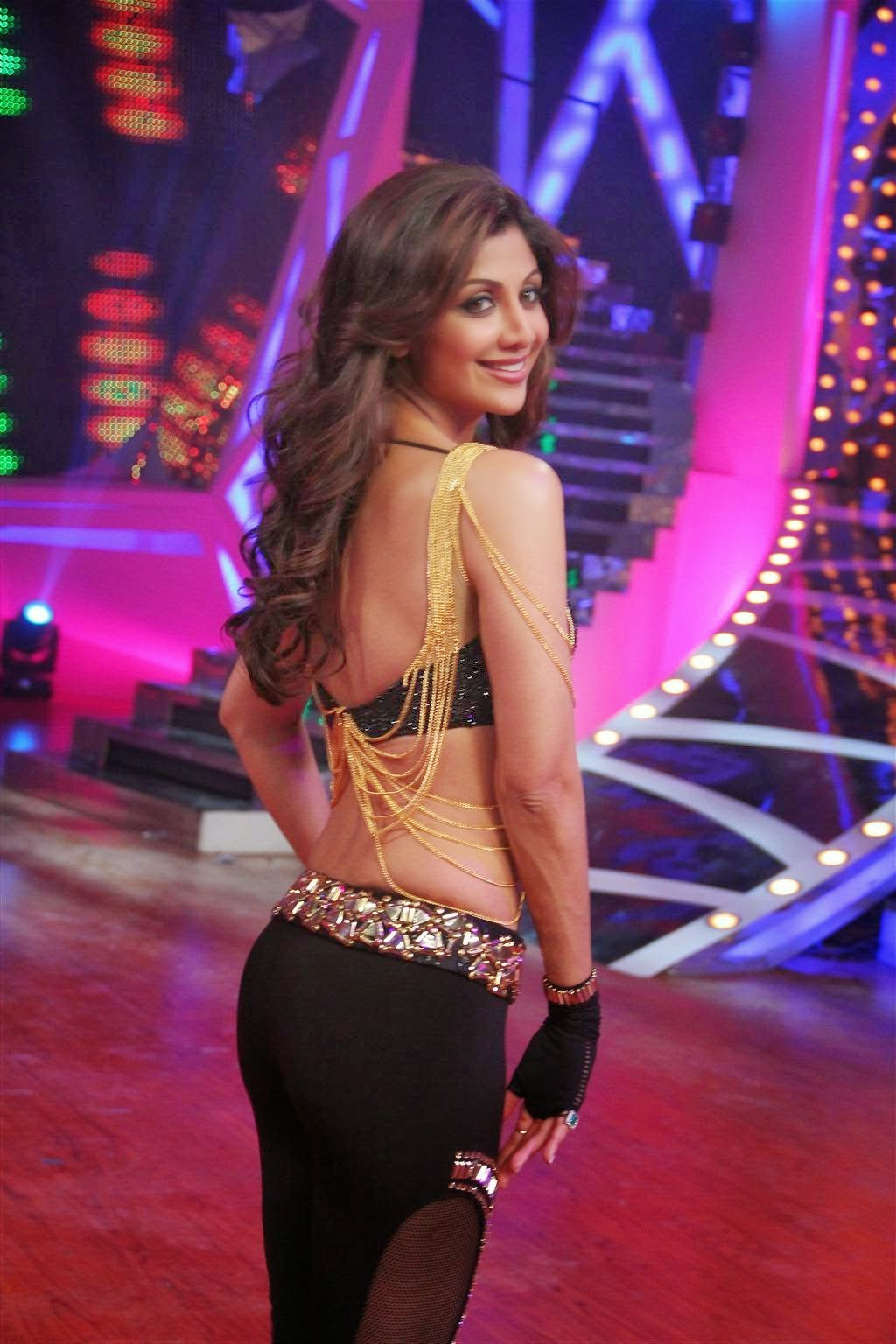 Shilpa Shetty ass close-up pics in transparent legins saree upskirt hd pics