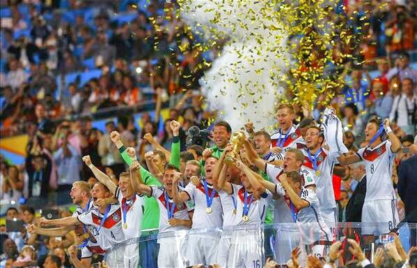 فرحة لاعبي المانيا بكاس العالم