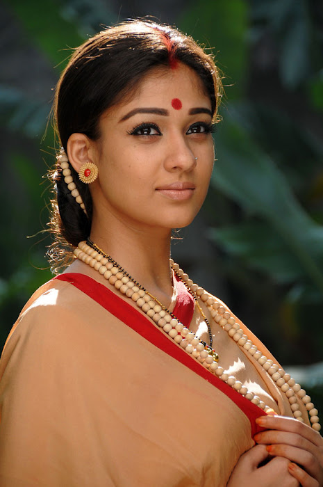 nayanatara from sri rama rajyam, nayanatara in sitha getup photo gallery
