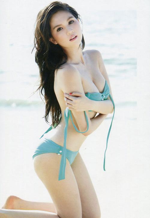 Ngoc Trinh Sexy VietNamese Bikini Model