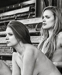 Calendario de rugby femenino desnudo de la universidad