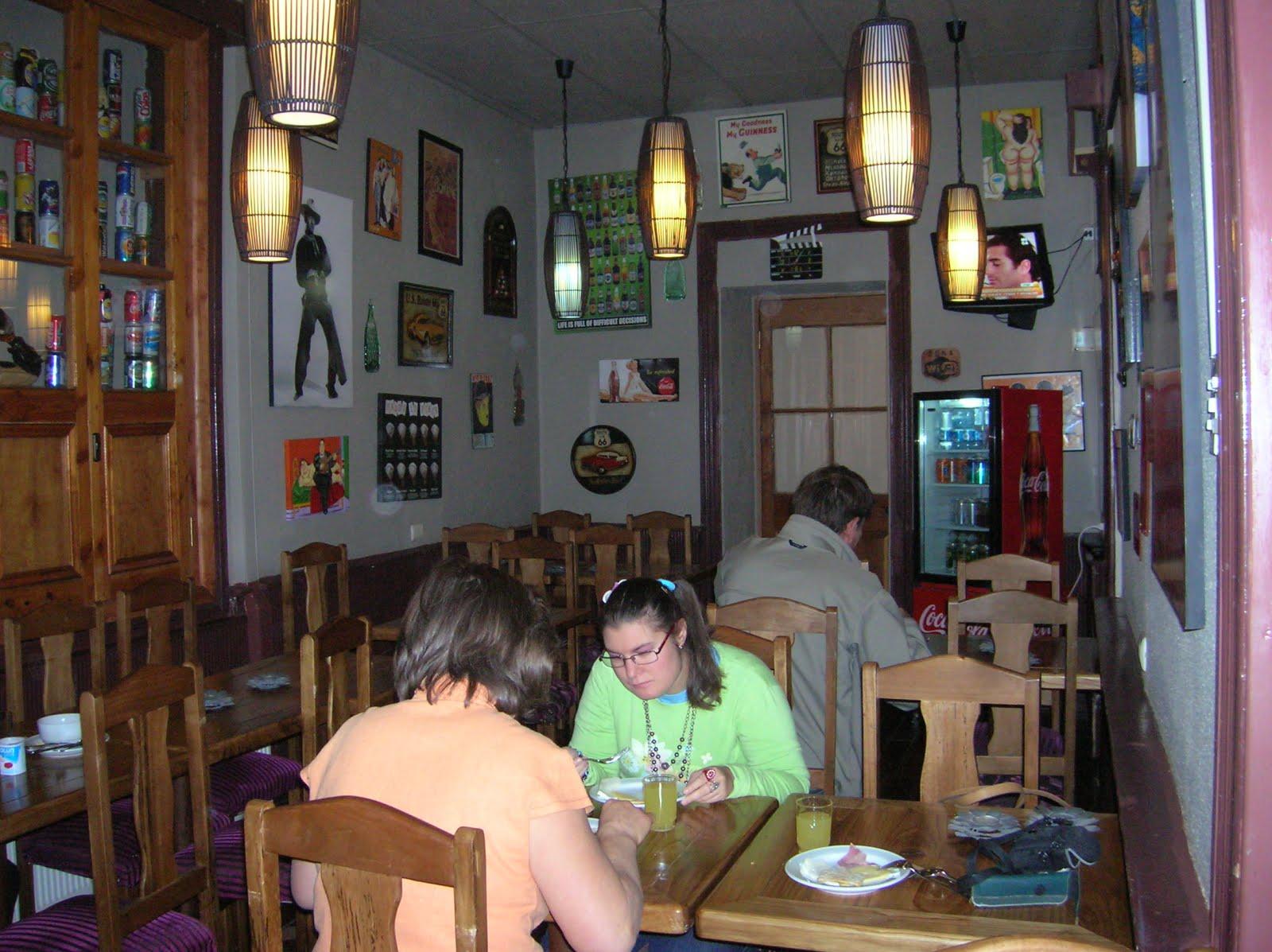 Comedor hotel Del Centro, Los Angeles, Chile, vuelta al mundo, round the world, La vuelta al mundo de Asun y Ricardo