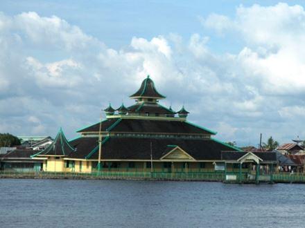 Masjid jami Pontianak tempat wisata religi di pontianak