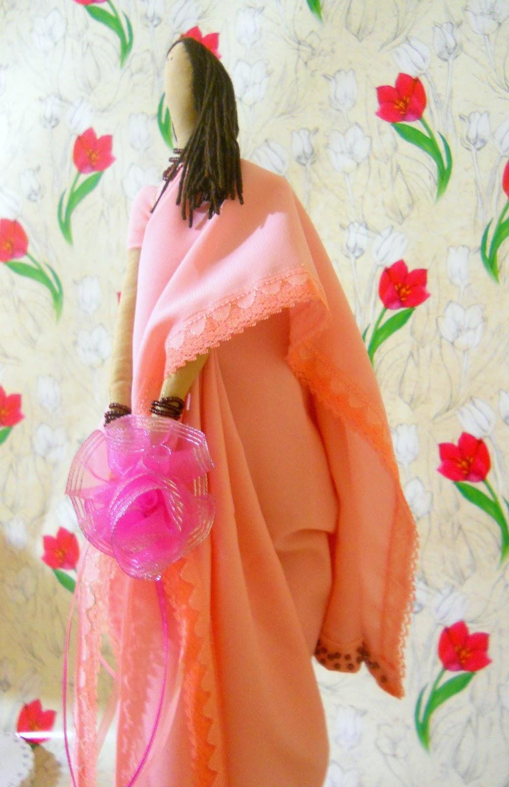 Текстильная кукла Тильда в сари